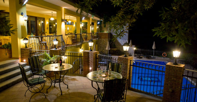 Best hotel taormina this month to enjoy the rustic food for Hotel villa taormina